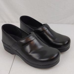 Dansko Women's Clogs Shoes Sz 41N Color Black